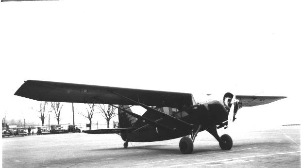 ... no location date of photo nc20y 252 north beach airport ny Airport